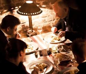 stik2071 287x245 Organize a dinner
