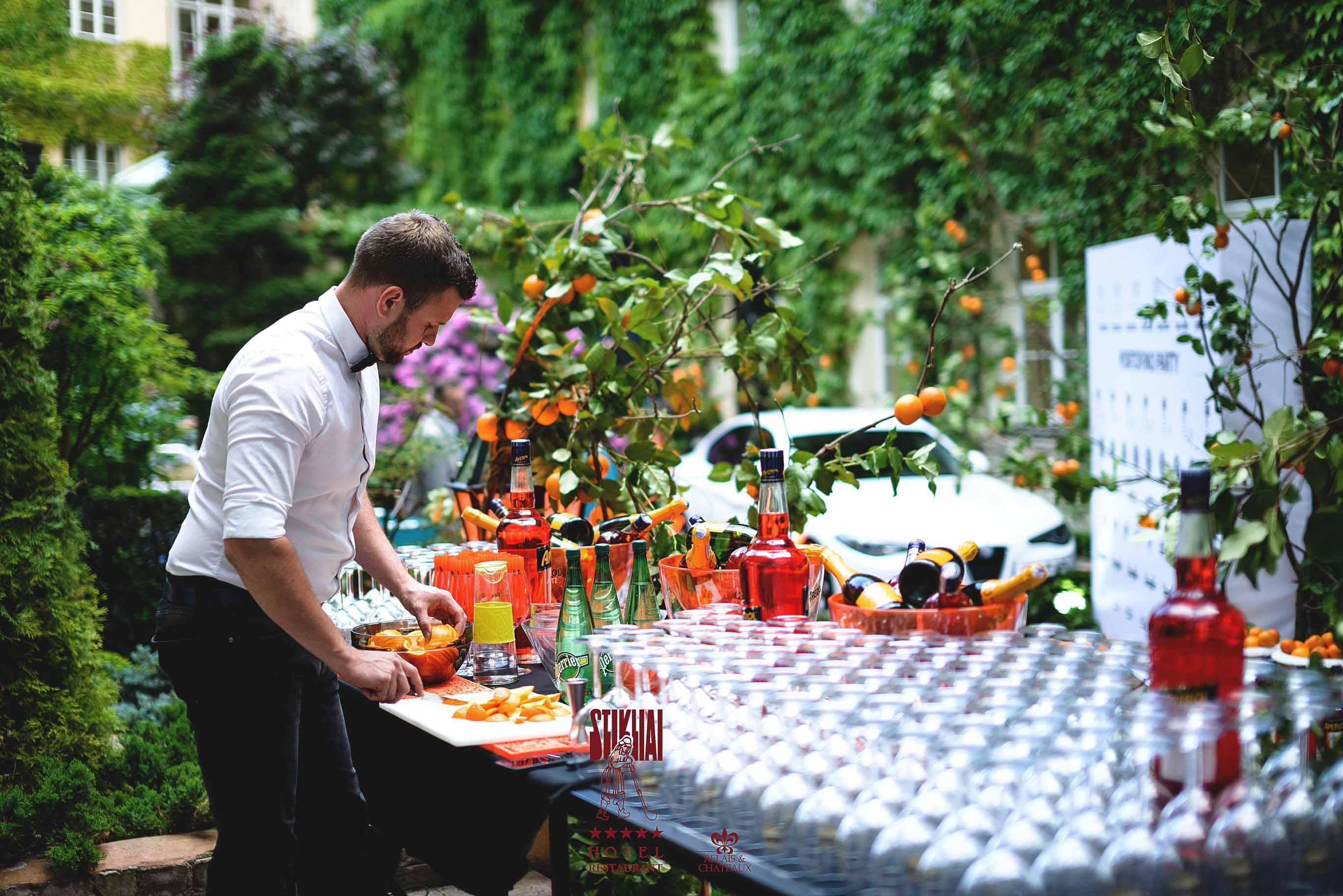 """Itališku rojumi virtęs """"Relais & Châteaux Stikliai"""" kiemelis vasarą pasitinko siautulingai itališku vakarėliu!"""